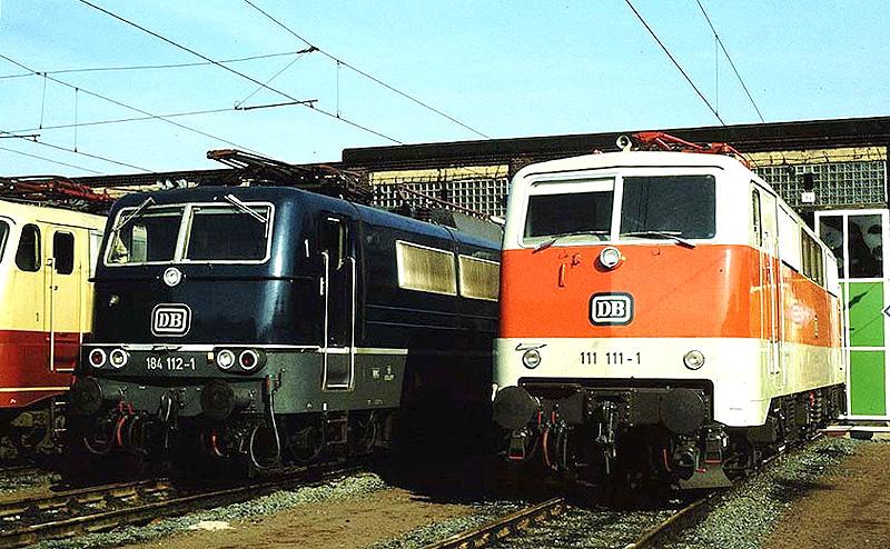111 111 und 184 112